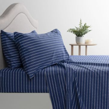 Flannelette Sheet Set White Dotted Lines-King Bed